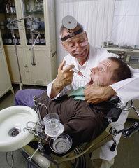 Hamburg  Deutschland  Zahnarztbehandlung