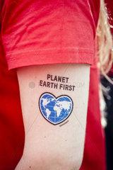 Greenpeace-Sticker Planet Earth First
