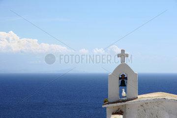 Bonifacio  Frankreich  Turm einer Kapelle vor dem Meer