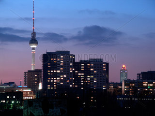 Berlin  Skyline von Berlin am Ostbahnhof