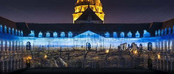 FRANCE - PARIS - INVALIDES NIGHT SHOW