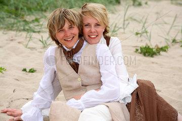 Kiel  Deutschland  Hochzeitsfoto einer gleichgeschlechtlichen Ehe zweier Frauen