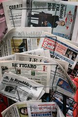 Auslaendische Zeitungen