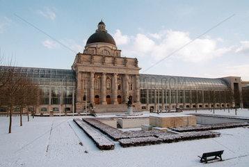 Staatskanzlei am Hofgarten in Muenchen im Winter