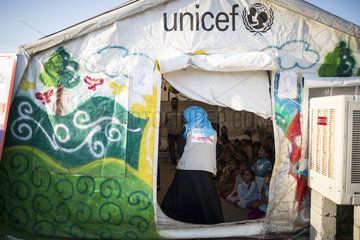 Kinderbetreuung in einem Fluechtlingslager im Irak