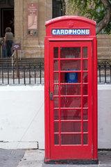 Valletta  Republik Malta  alte rote Telefonzelle
