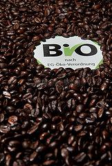 Berlin  Deutschland  Kaffeebohnen mit EG-Bio-Siegel