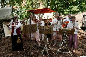 Altdorf  Deutschland  Musikgruppe bei den Wallenstein-Festspielen