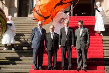 Berlin  Deutschland  Gruppenbild bei der Eroeffnungsveranstaltung der Berliner Asien-Pazifik-Wochen