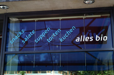 Berlin  Aufschrift vor Biocafe