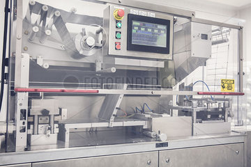 Industrial pill packing machinery