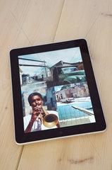 Hamburg  Deutschland  das IPad von Apple als digitaler Bilderrahmen -Programm