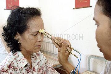 Vietnam  medizinische Versorgung armer Patienten
