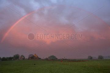 Neu Kaetwin  Deutschland  Regenbogen nach einem Gewitter