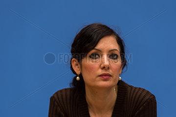 Berlin  Deutschland  Dr. Naika Foroutan waehrend einer Pressekonferenz