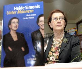 Kiel  Ministerpraesidentin Heide Simonis stellt Biografie vor
