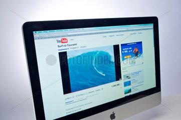 Hamburg  Deutschland  Internetseite YouTube auf einem Apple-iMac