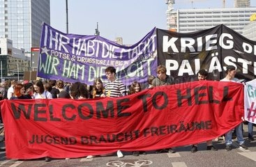 Grossdemonstration gegen hohe Mieten und gegen Deutsche Wohnen