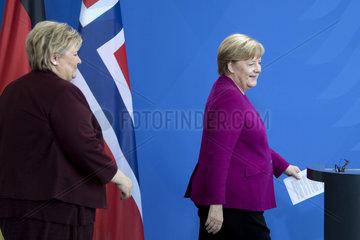 Erna Solberg  Angela Merkel