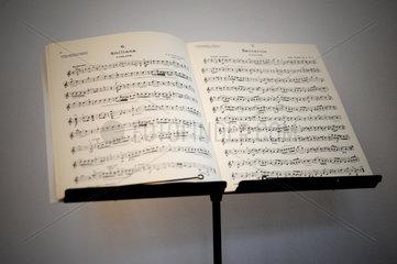 Berlin  Deutschland  Noten fuer Violine von Giovanni Battista Pergolesi