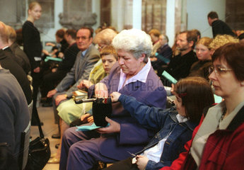 Spendensammlung in evangelischer Kirche in Saarbruecken