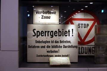 DDR-Verbotsschilder