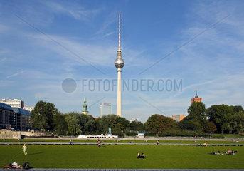 Berlin  Deutschland  Blick vom Schlossplatz Richtung Alexanderplatz