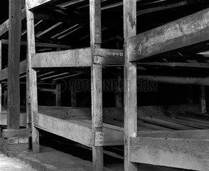 Auschwitz  Polen  eine Schlafhuette im Konzentrationslager Auschwitz-Birkenau