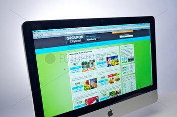 Hamburg  Deutschland  Internetseite Groupon auf einem Apple-iMac