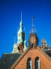 Backsteingothik vor dem alten Rathaus der Speicherstadt  Hamburg