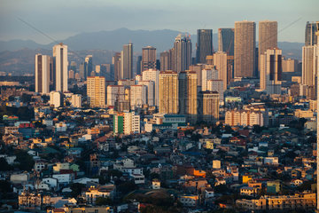 Skyline der Megacity Manila