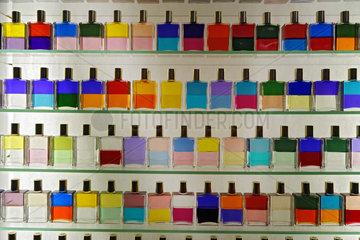 Berlin  Deutschland  Aura-Soma Equilibrium Flaschen