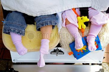Strampelkinder im Doppelpack