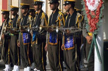 Militaerkapelle waehrend der Aschura-Riten