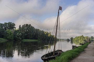 Altes Boot auf der Loire