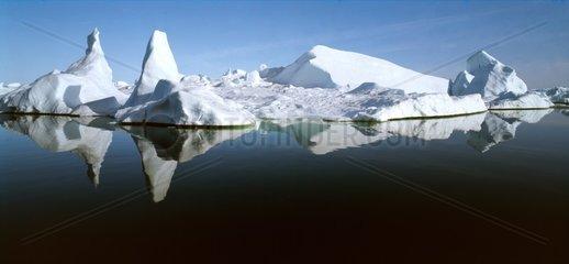 Eisformation im Eisfjord bei Ilulisaat  Groenland