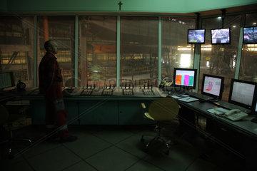 Warschau  Polen  Leitwarte der Stranggiessanlage im Stahlwerk ArcelorMittal Warszawa