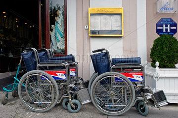 Lourdes: Rollstuehle