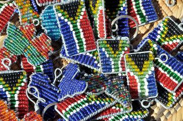 Suedafrika Tourismus: Perlenschmuck
