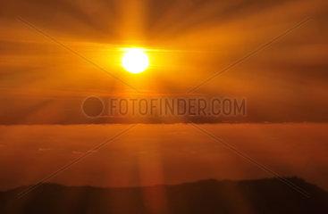 Suedafrika: Sonnenuntergang  Tafelberg  Kapstadt