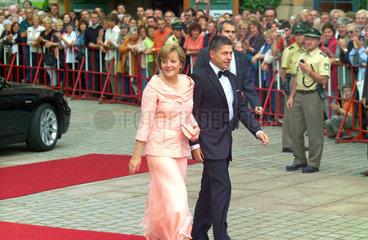 Angela Merkel und Ehemann Prof. Joachim Sauer  Bayreuth  2005