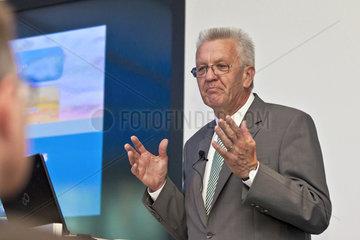 Eroeffnung des Zentrum fuer Virtuelles Engineering am Fraunhofer IAO Winfried Kretschmann