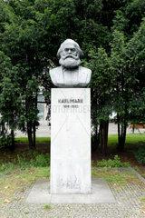 Berlin  Deutschland  Karl-Marx-Bueste am Strausberger Platz