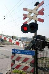Bahnuebergang in den Niederlanden
