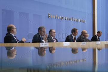 Bundespressekonferenz zum Thema: Vorstellung der Gruendungsoffensive