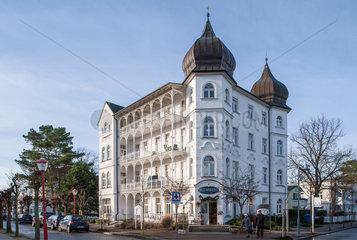 Binz  Deutschland  Baederarchitektur im Ortskern auf Ruegen