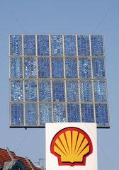 Shell Tankstelle mit Solarzellen