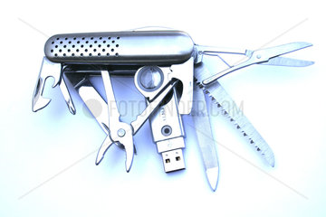 Tasschenmesser USB-Stick