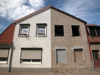 Haus halb renoviert