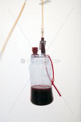 Krankenhaus Flasche mit Blut